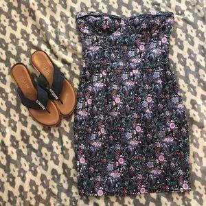 EUC⭐️ Aritzia Talula Floral Strapless Mini Dress